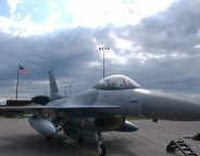 F-16_at_Duluth_Air_National_Guard_Base