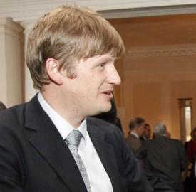 UK ambassador Jonathan Allen and BNB governor Ivan Iskrov