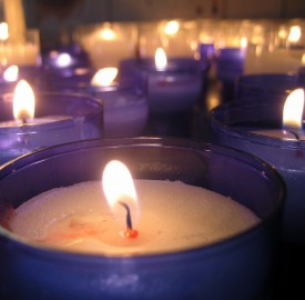 blue candles photo Jean Scheijen