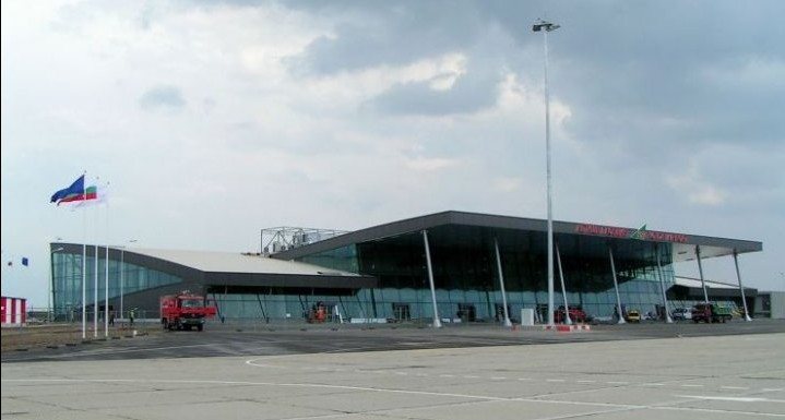 Plovdiv_airport_-_New_terminal_building gad222