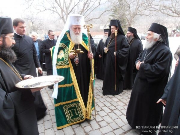 Bulgarian Orthodox Church Patriarch Neofit at Bachkovo monastery on March 7 2013, to pay tribute at the graves of metropolitans Kiril and Stefan, part of the events commemorating the 70th anniversary of the prevention of the deportation of Bulgarian Jews. Photo: Bulgarian Patriarchate