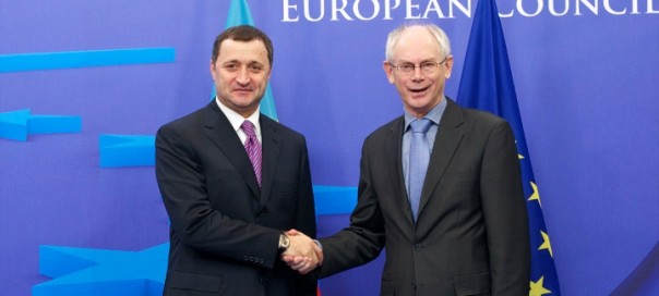 Vlad Filat, left, shakes hands with European Council president Herman van Rompuy before the European Council meeting in Brussels in December 2011. Photo: President of the European Council/flickr.com