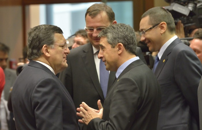 Rosen Plevneliev, President of Bulgaria, 2nd from the right, and José Manuel Barroso, on the left, in the presence of Petr Nečas, Czech Prime Minister, in the centre, and Victor Ponta, Romanian Prime Minister, on the right