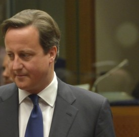 Discussion between David Cameron, British Prime Minister, on the right, and José Manuel Barroso