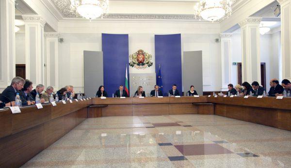 Oresharski meets Eu ambassadors June 4 2013