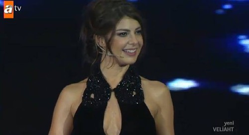 presenters cleavage in turkey