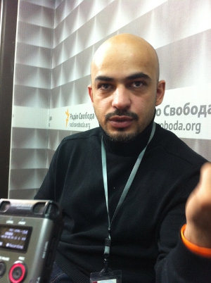 Afghan-Ukrainian journalist Mustafa Nayyem put out the first call for protesters on Facebook. Later he posted a police brutality video on YouTube, drawing almost 800 000 views in 48 hours. VOA photo: James Brooke