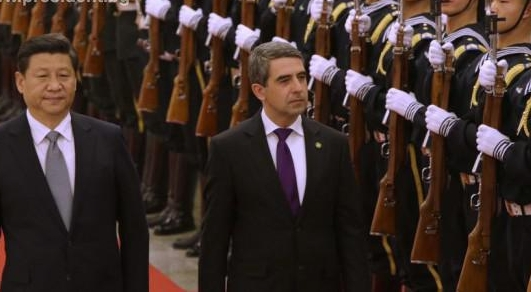 plevneliev in china-crop