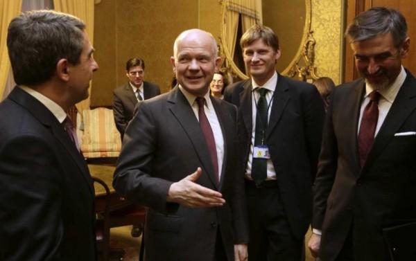 From left: Bulgarian President Rossen Plevneliev, UK foreign secretary William Hague, UK ambassador to Bulgaria Jonathan Allen, Bulgarian ambassador to the UK Konstantin Dimitrov. Photo: president.bg