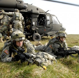 173rd airborne Combat_Training_in_Germany_(Securing_Ground)_2007-05-11-140634