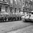 Bundesarchiv_Bild_101I-680-8283A-12A,_Budapest,_marschierende_Pfeilkreuzler_und_Panzer_VI Budapest oct 1944 german federal archives