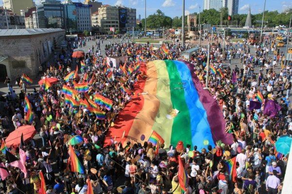 Istanbul Pride, 2011.  Photo: Jordy91