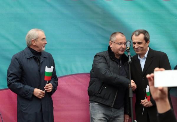 May 2014: Lyutvi Mestan, then the leader of the MRF, Sergei Stanishev, then the leader of the BSP, and Plamen Oresharski.