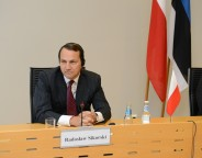 sikorski photo by estonian foreign ministry