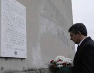 Bulgarian President Plevneliev monument to victims of communism-crop