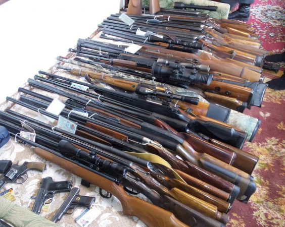 Guns seized by Moldovan police from the Antifa group, accused of preparing to cause civic unrest after the election. Photo: igp.gov.md