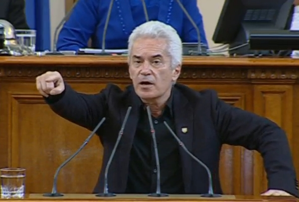 News year 2014 got underway with Ataka leader Volen Siderov getting in to a fracas with a French diplomat while on a Sofia-Varna flight. Charges of hooliganism, including from clashes with other people during an incident at Varna Airport, resulted. By the end of the year, the trial had not concluded,  although 2014 had seen scandal-hit Siderov's political fortunes dwindle significantly in two elections.
