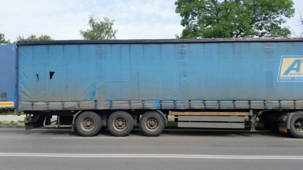 illegal migrants lorry sofia interior ministry june 2015