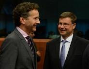 Jeroen Dijsselbloem, on the left, and Valdis Dombrovskis