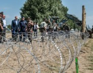 fence hungarian border photo Gergely BOTÁR Prime Minister's Office