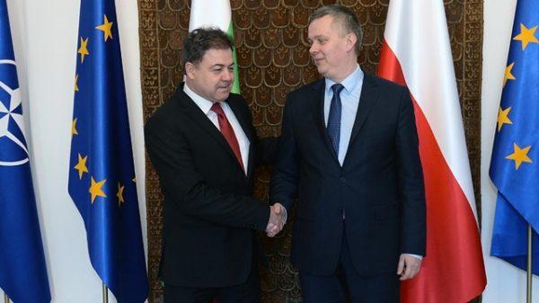 Bulgarian Defence Minister Nikolai Nenchev and Poland's deputy prime minister and minister of national defence, Tomasz Siemoniak. Photo: Robert Siemaszko