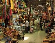 640px-Grand-Bazaar_Shop Istanbul Turkey photo Dmgultekin