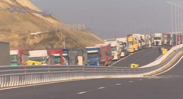 bulgarian greek border blockade lorries