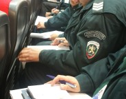 Bulgarian_officers_during_operational_briefing.prop_photo frontex