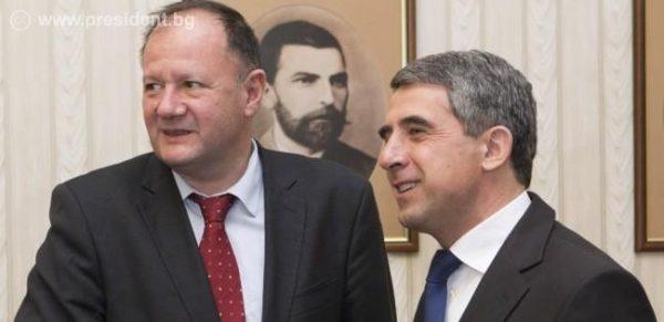 BSP leader Mihail Mikov, left, with President Rossen Plevneliev.