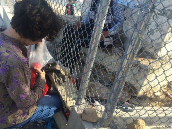 lesbos greece refugees h murdock 2 voa