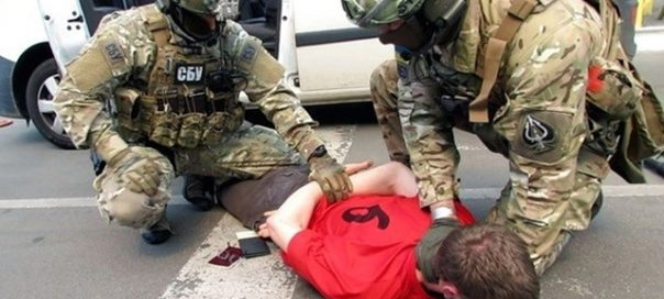 SBU officers arrest French citizen as he tries to cross the Ukrainian-Polish border and to smuggle weapons in late May