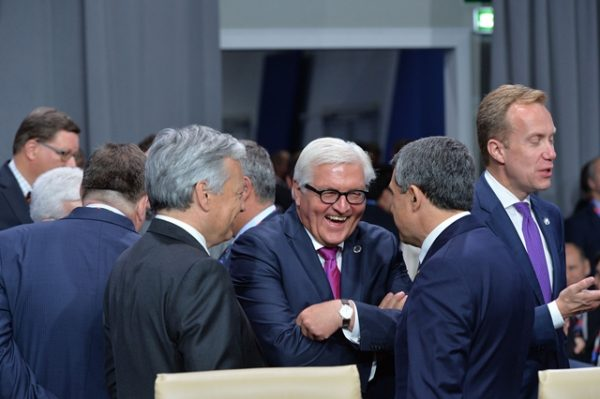 Centre: Frank-Walter Steinmeier (Minister of Foreign Affairs of Germany)