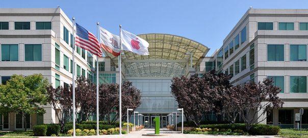 800px-Apple_Headquarters_in_Cupertino photo Joe Ravi