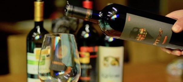 plovdiv-wine-pitos-pouring_dragomir_550-photo-banskoblog-com
