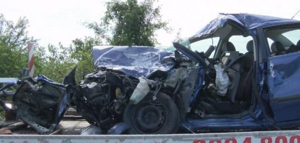 car-crash-road-accident-photo-bnt