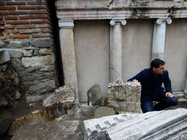 totev-ancient-theatre-plovdiv-podtepeto