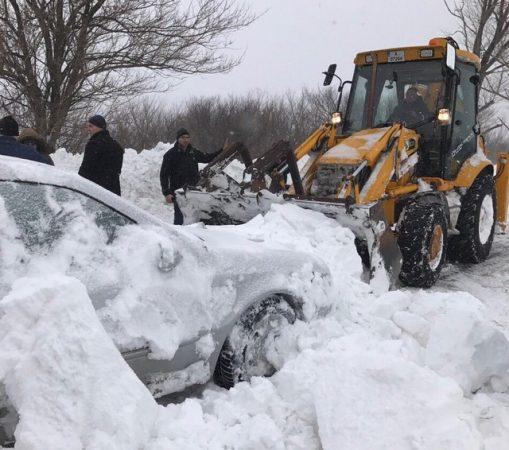 snow-bulldozer-clearing-photo-bulgarian-interior-ministry