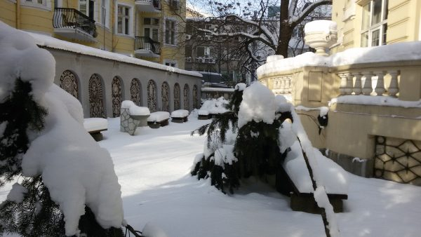 snow in Sofia Bulgaria January 2017 photo Clive Leviev-Sawyer